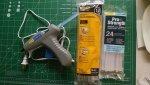 Hot_glue.jpg