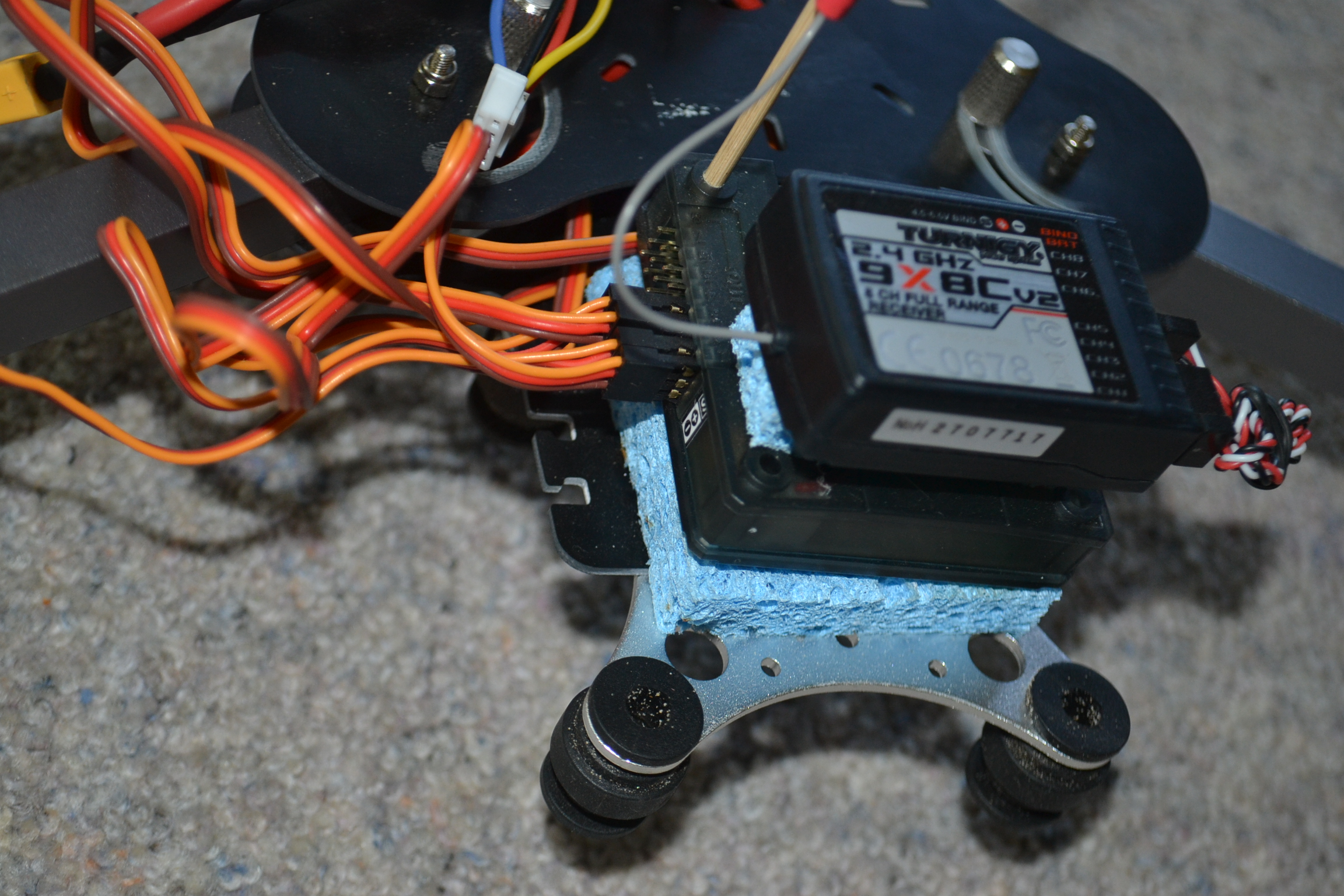 Help My First Tricopter Wont Fly Flitetest Forum Kk2 1hc Wiring Diagram Ive Attached Some Photos Close Up To See If Anyone Can Spot Anything That Could Be The Problem One Of Shows An Arrow On Motor Which Points