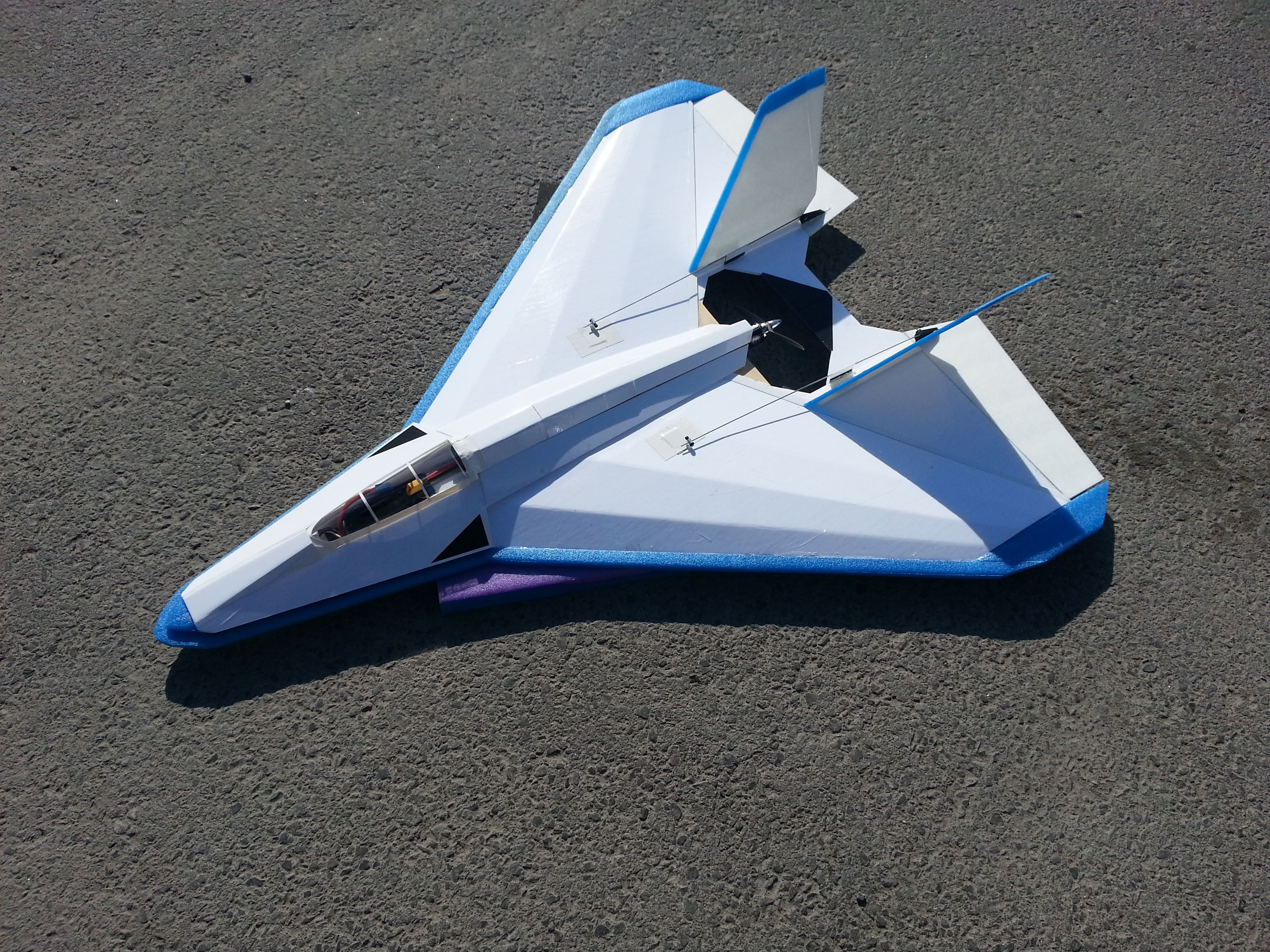Manta Ray Scratch Built RC airplane | FliteTest Forum