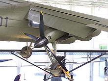 220px-Dornier_Do_29_engine_from_right_Dornier_Museum_2009-09-27.jpg