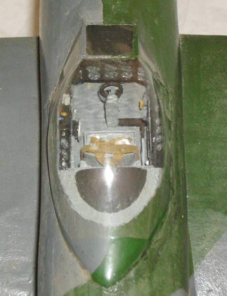 MB5ckpitS.jpg