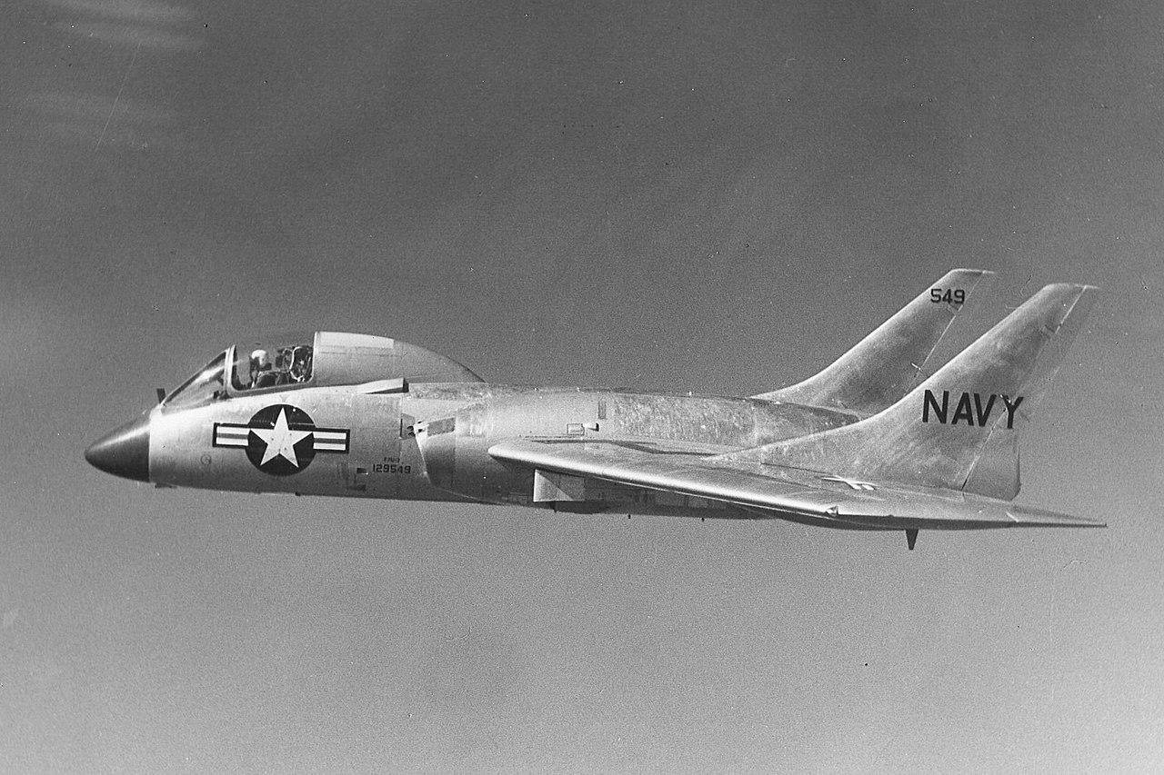 1280px-Vought_F7U-3_Cutlass_in_flight_c1955_(cropped).jpg