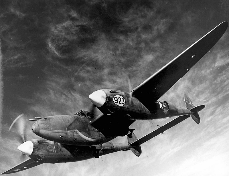 800px-Lockheed_P-38H_Lightning_-_1.jpg