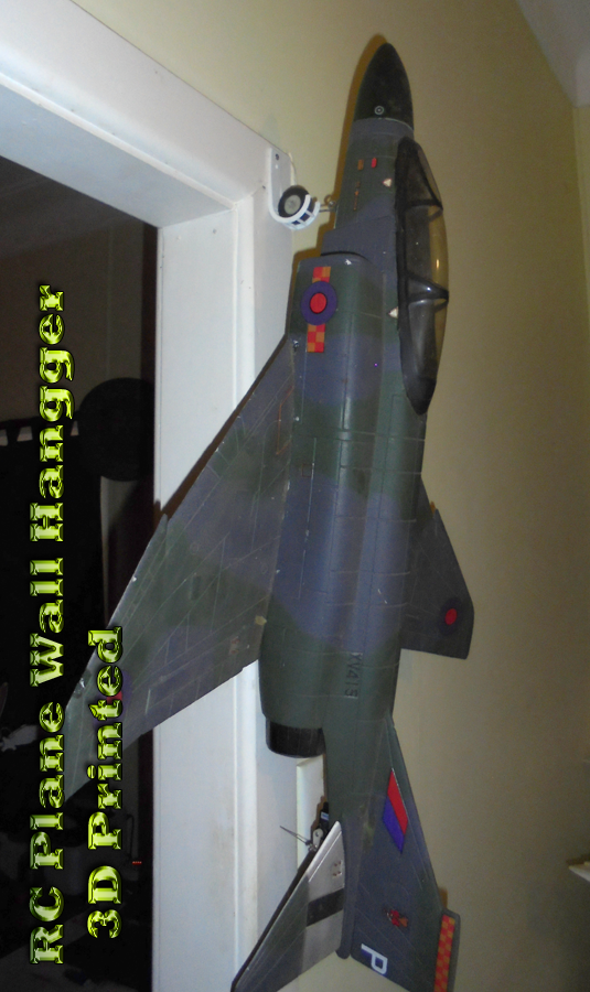 RC-Plane-Wall-Hangger-With-Plane.png
